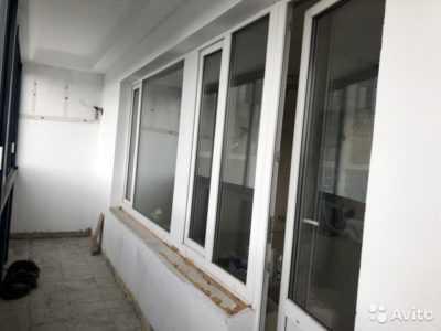 Виды ручек для балконной двери