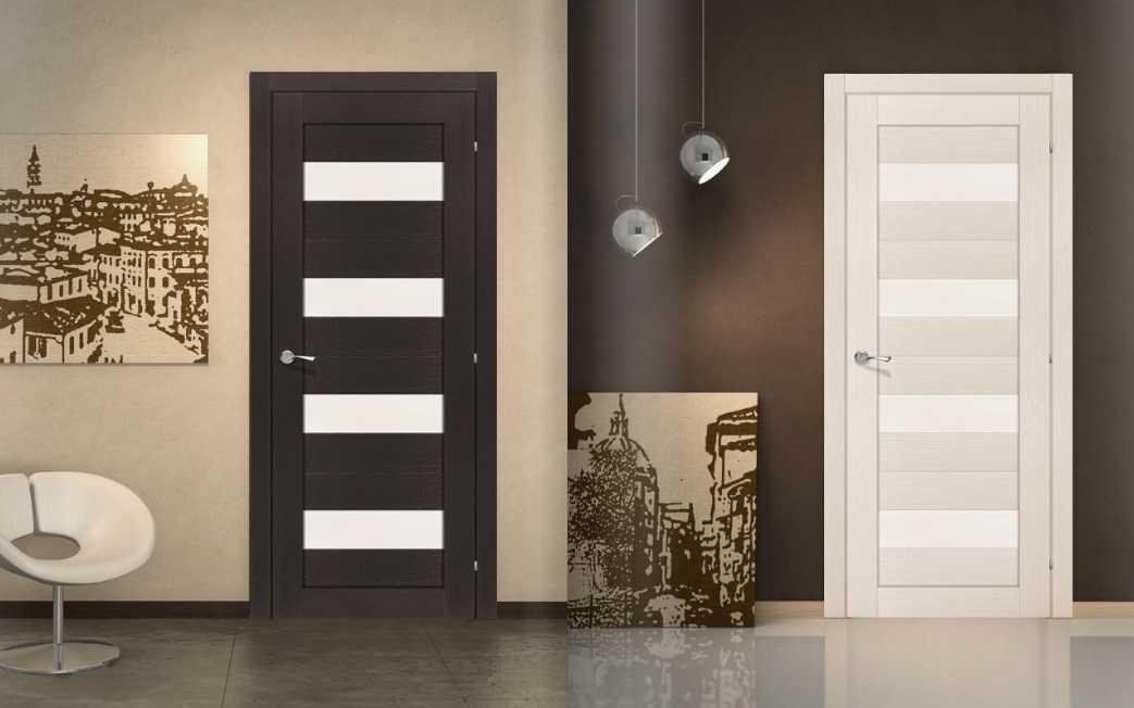 Двери из массива: особенности различных пород