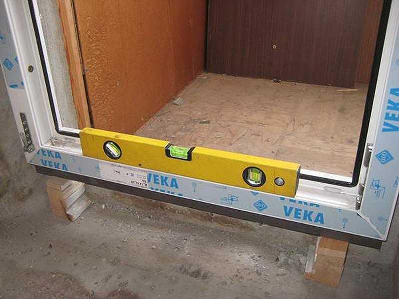 Выбор и установка двойной ручки для балконной двери