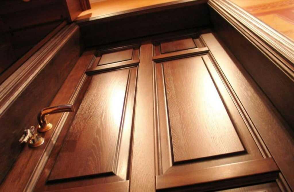 Критерии выбора входных дверей на дачу