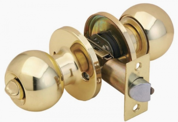 Ремонт ручки межкомнатной двери: как поменять, что для этого нужно, сколько стоит?
