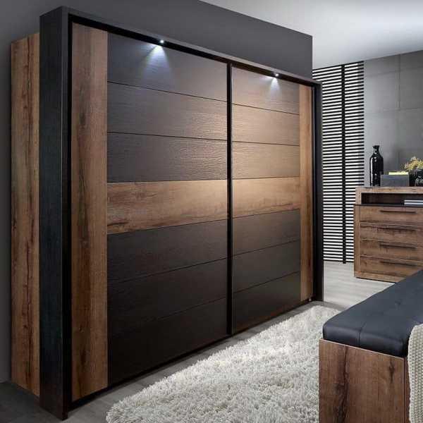 Делаем двери купе в гардеробную: 5 нюансов раздвижных дверей