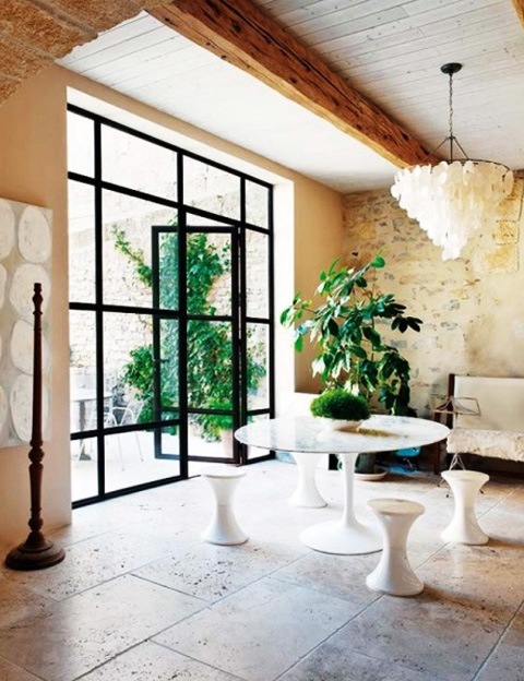 Хрупкость входных стеклянных дверей: предрассудки или реальность?