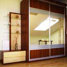Раздвижные двери для гардеробной: красивые ифункциональные двери на35 фото