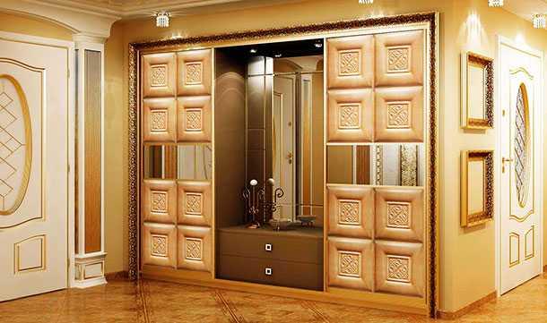 Двери в деревянный дом