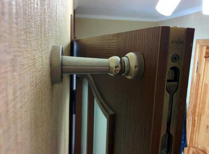 Нюансы выбора и монтажа уплотнителя для межкомнатных дверей