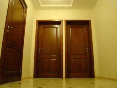 Когда следует устанавливать межкомнатные двери при ремонте