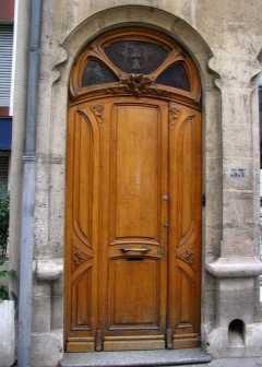 Как покрасить дверь под старину своими руками?