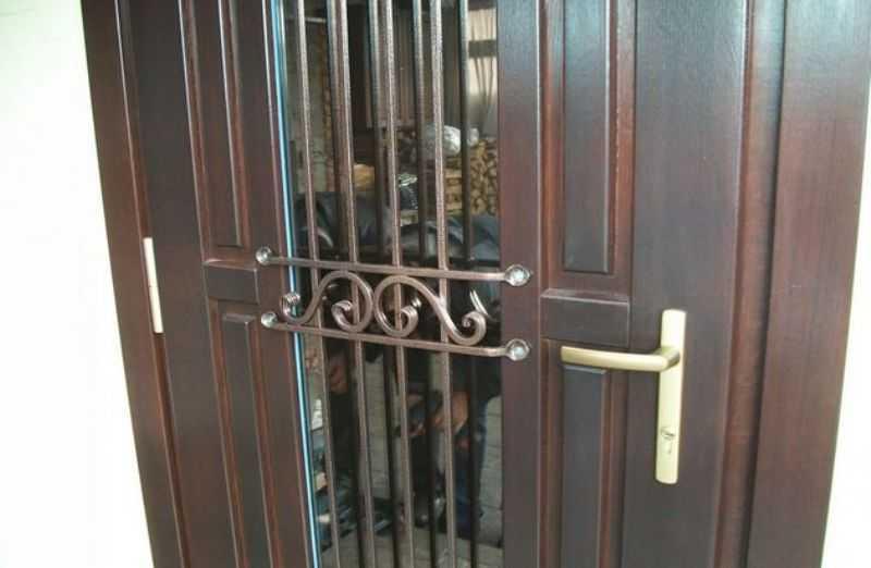 Как сделать порог у входной двери?