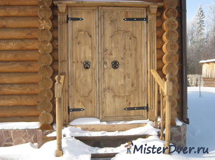 Как сделать прочную деревянную дверь для дома своими руками?