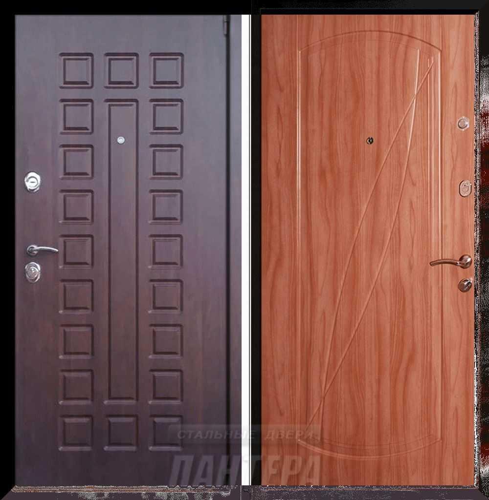 Тамбурные двери на площадку и входные в подъезд