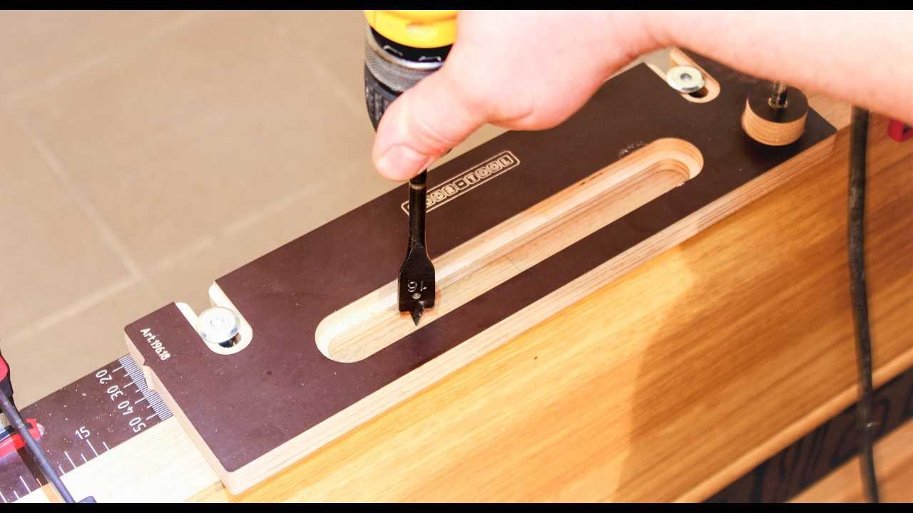 Какой нужен инструмент для установки межкомнатных дверей?