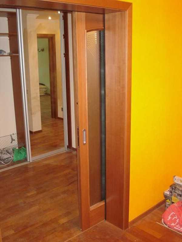 Установка раздвижных дверей в шкаф купе