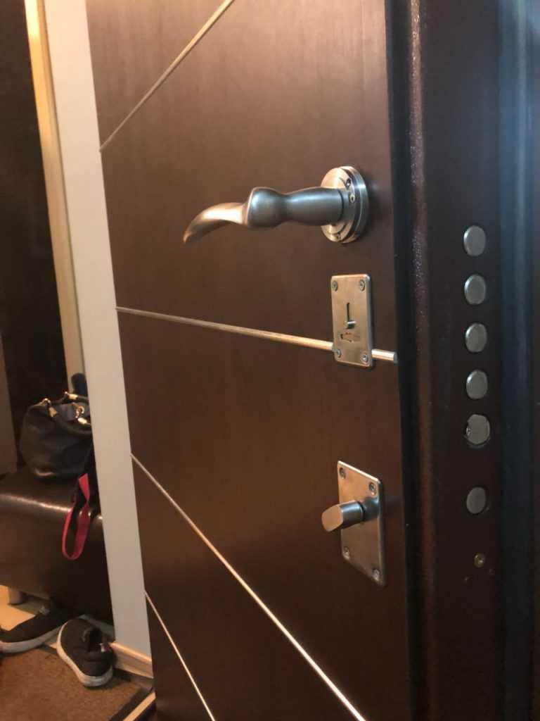 Что делать если не открывается замок входной двери?