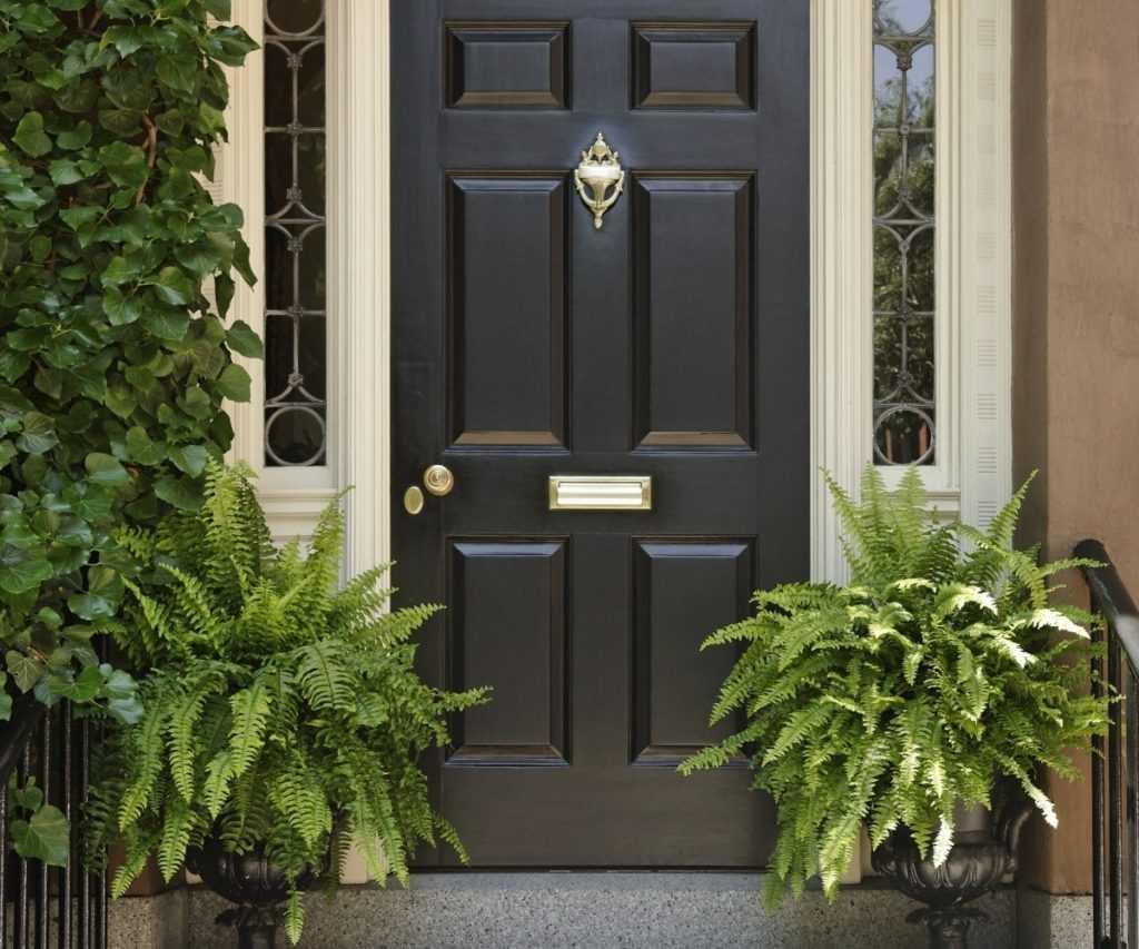 На что стоит обратить внимание при установке новых входных металлических дверей?