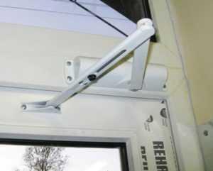 Пошаговый план установки доводчика на любую дверь