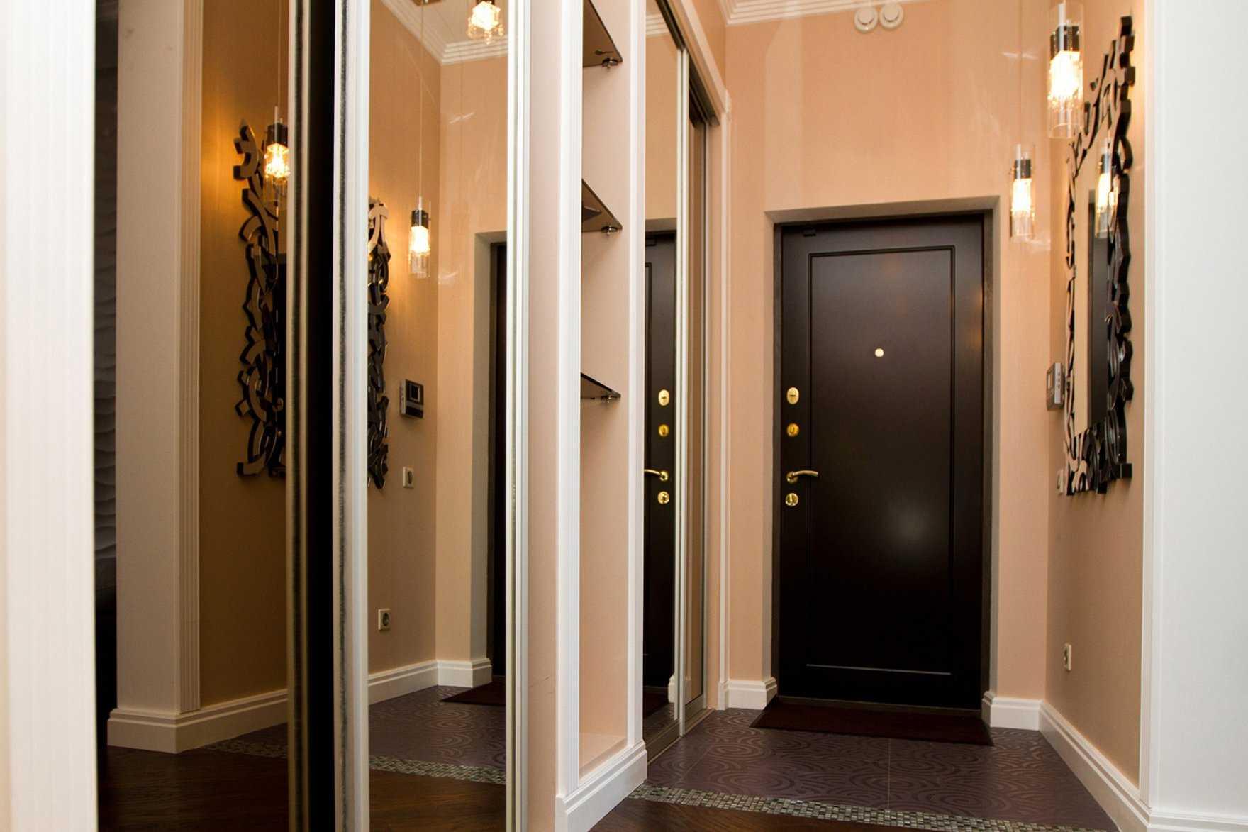 Как можно сделать дверь из досок своими руками?