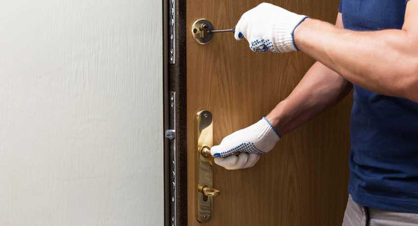 Замена замка на входной металлической двери в люберцах