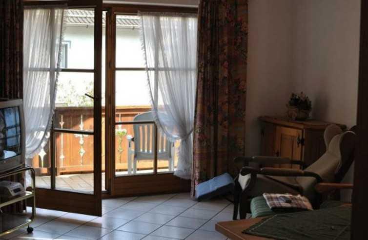 Разновидности двусторонних ручек на балконную дверь, преимущества, недостатки, монтаж